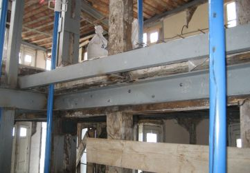 estructura metálica horizontal hueco escalera