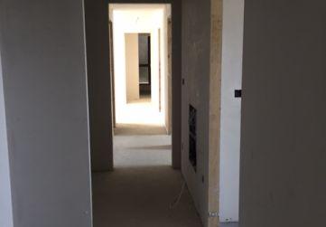 Interior vivienda preparada para pintar