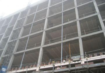 estructura metálica auxiliar para fachada