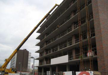 colocación prefabricados en fachada
